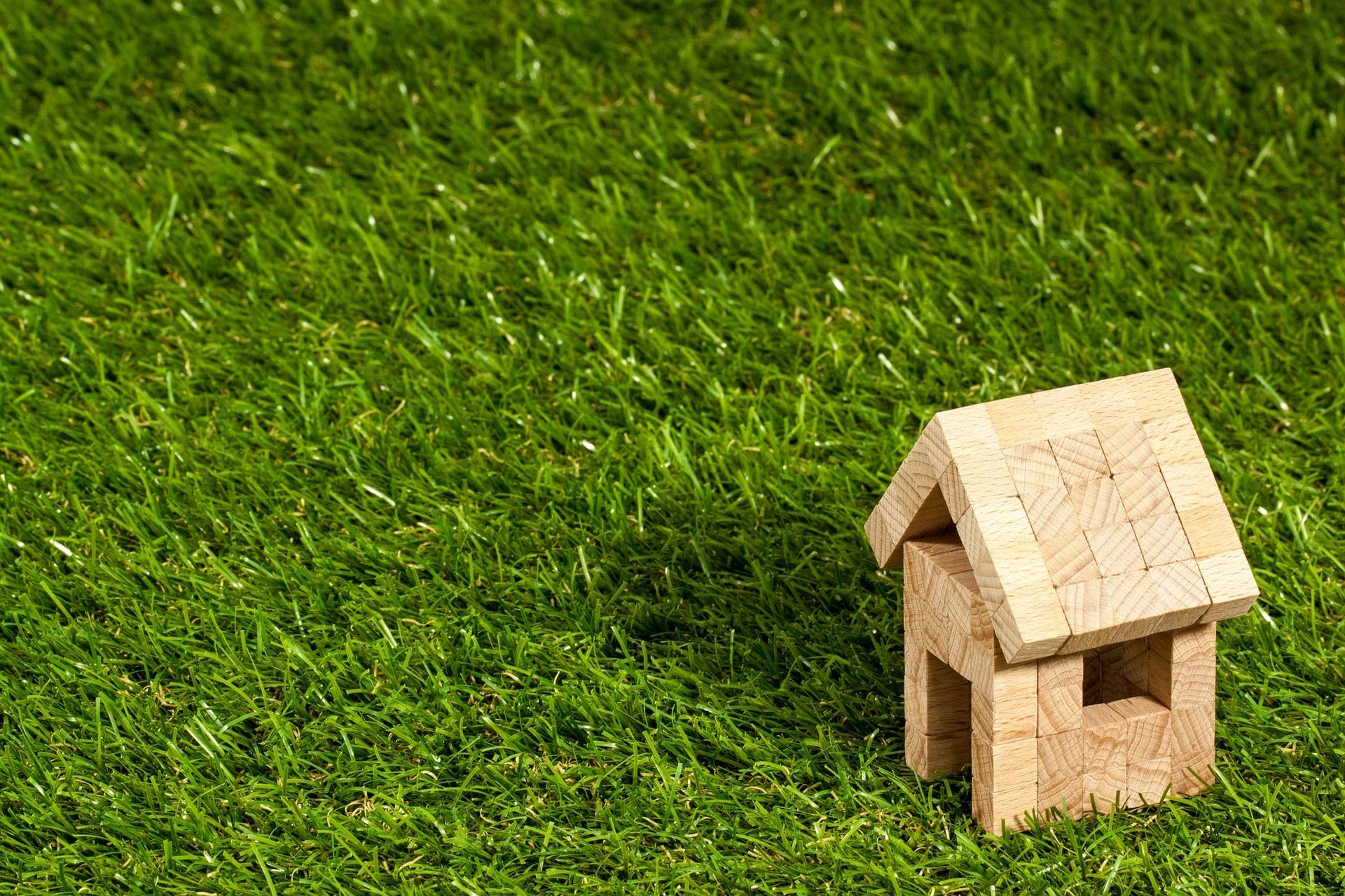 căn hộ nghỉ dưỡng và nhà chung cư đang xây lẫn căn hộ du lịch đều chào bán nhanh và vay ngân hàng dễ dàng