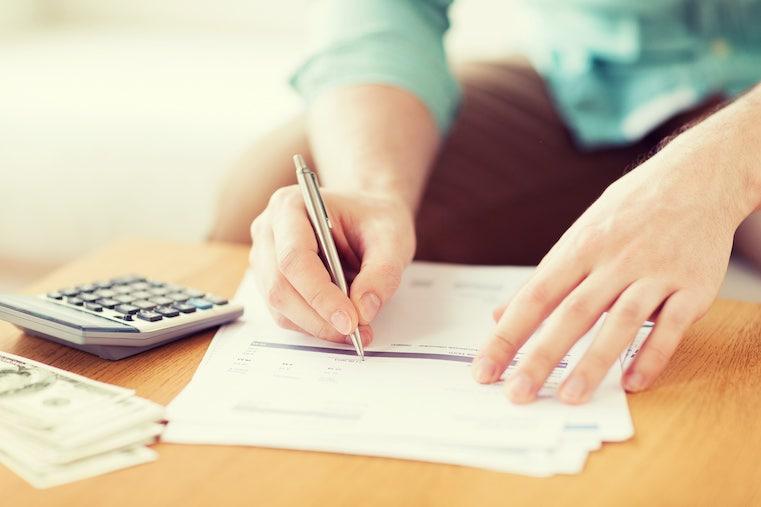 phí dịch vụ vay vốn ngân hàng