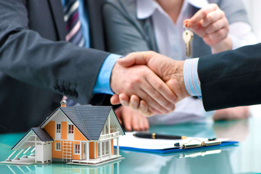 Công chứng thế chấp quyền sử dụng đất ở văn phòng công chứng tư thì phải liên kết với ngân hàng và đủ điều kiện hành nghề