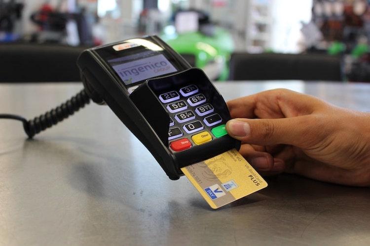thẻ tín dụng là gì và tiện ích khi sử dụng