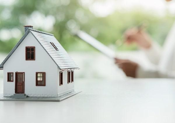 chuyển khoản vay sang ngân hàng khác dễ dàng nếu thế chấp nhà đất